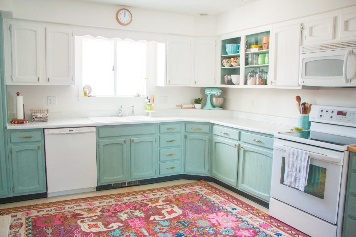 Before & After: A Bright, Affordable DIY Kitchen Update